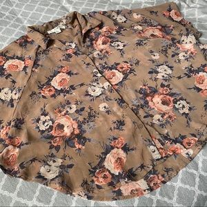 Tops - 🌿 Brown Floral Blouse